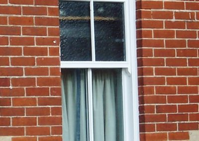 arched sash window