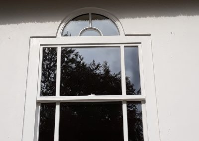 sash window with curved detail